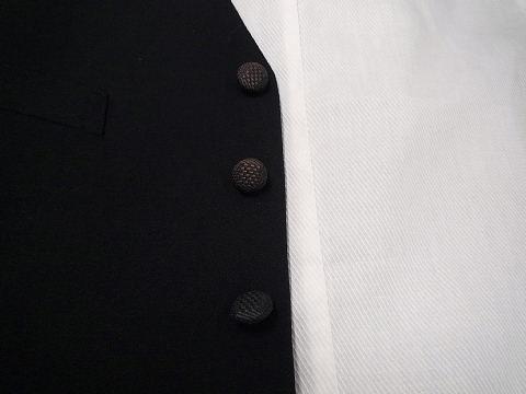 黒ボタン変色
